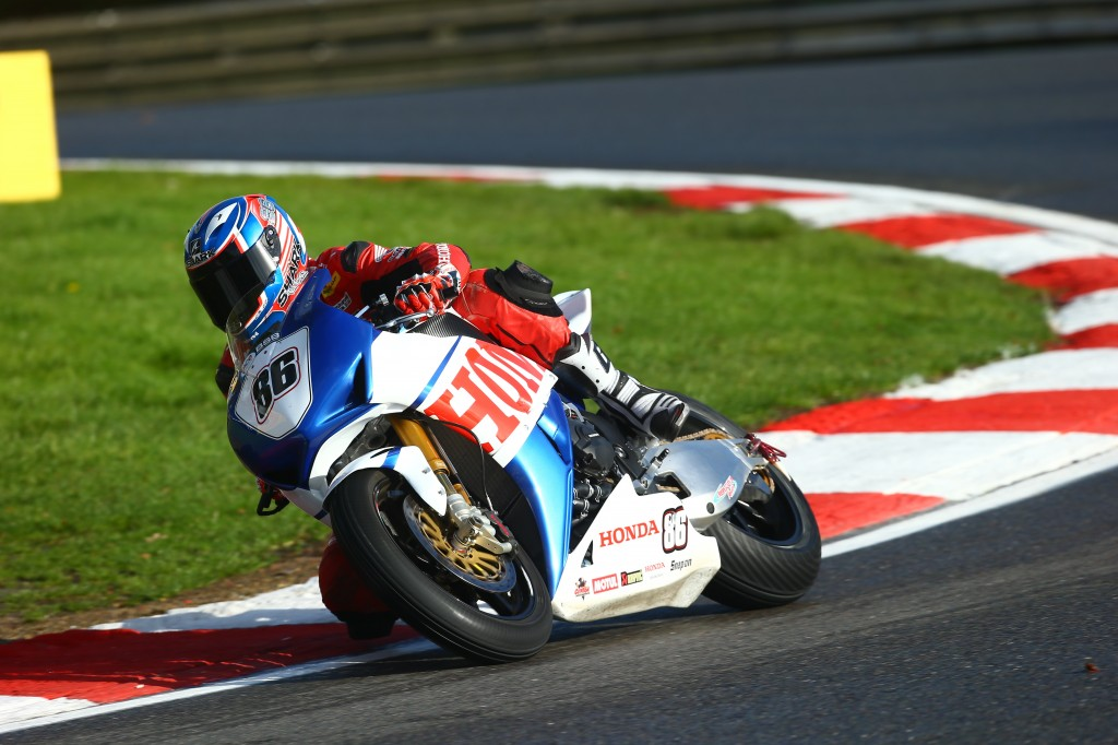 Julien Da Costa competes at the final round of Brands Hatch BSB aboard the_ special-livery CBR1000RR Fireblade designed by Conor Cummins 3